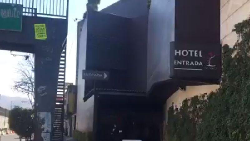 Autoridades encuentran cadáver en la zona de jacuzzi de un reconocido hotel