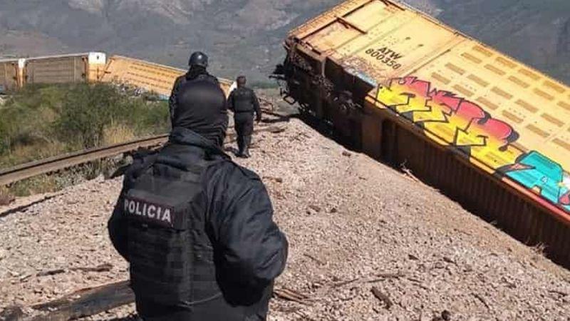 Veracruz: Delincuentes provocan descarrilamiento de tren cargado de autos de lujo