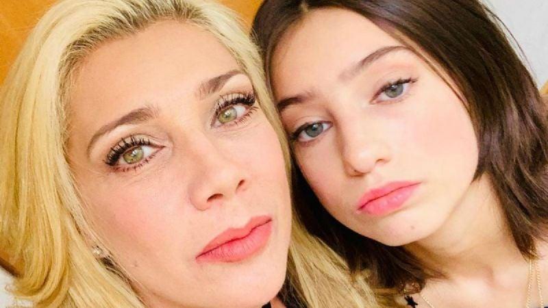 """Hija de Cynthia Klitbo está triste por la """"falta de apoyo"""" de su madre tras éxito en redes"""