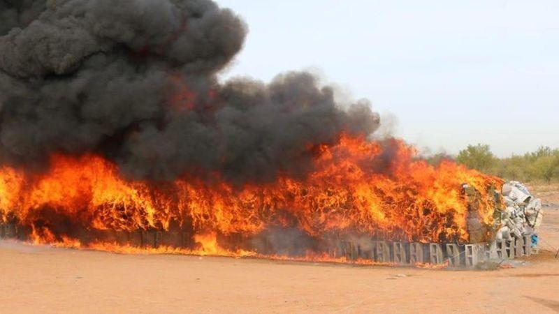 Duro golpe al narco: Fiscalía quema más de 3 toneladas de droga en Sonora