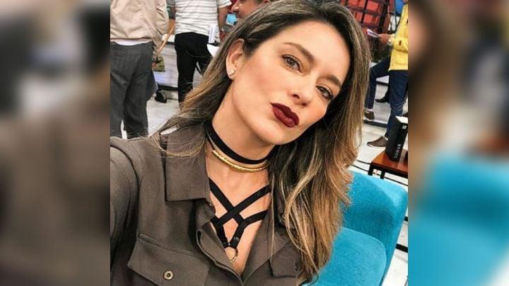 Karla Gómez, conductora de Televisa, se deja ver fuera de los foros así de natural