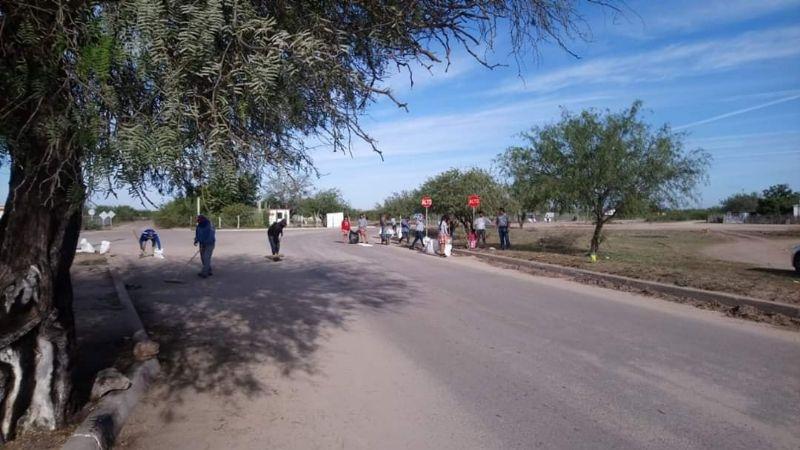 Estudiantes mantienen limpia la zona de Las Bocas para Semana Santa