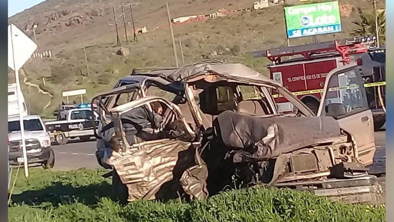 Fatal accidente en BC cobra la vida de 4 personas y deja lesionadas a 7