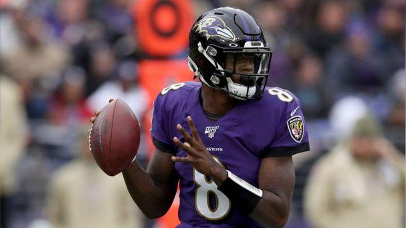 Lamar Jackson iguala a Tom Brady al ser elegido como MVP de la NFL
