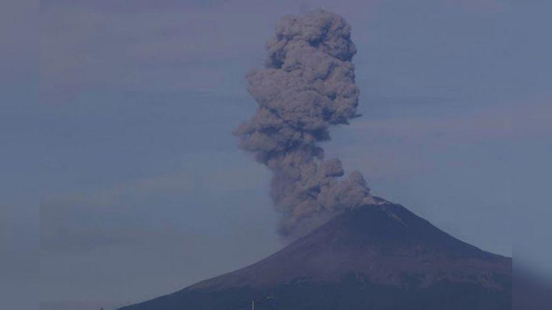 En 24 horas, Popocatépetl registra85 exhalaciones de gases y cenizas
