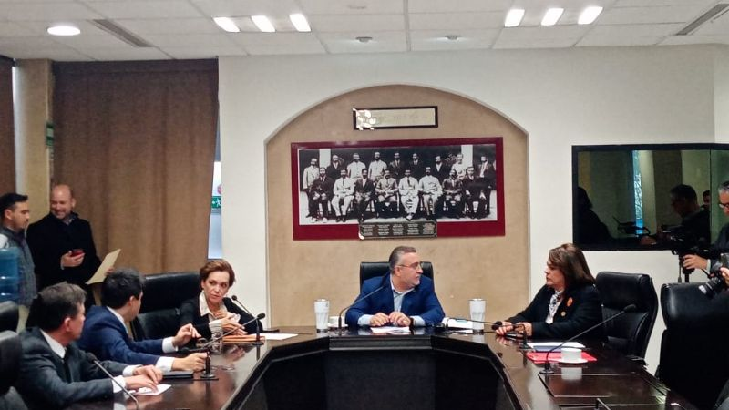 Comisión de Gobernación sólo dictamina denuncias