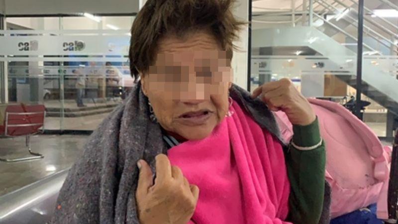 Redes acusan de estafadora a mujer 'abandonada' en central de Hermosillo