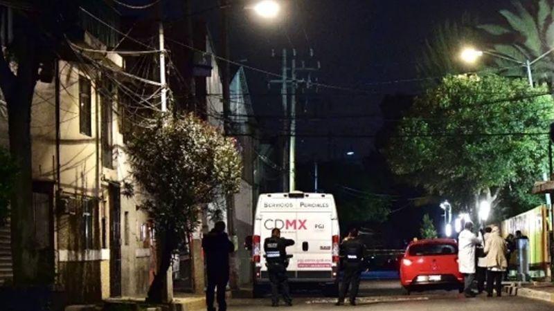 Sicarios bajan a mujer de Uber y la ejecutan a sangre fría en calle de CDMX