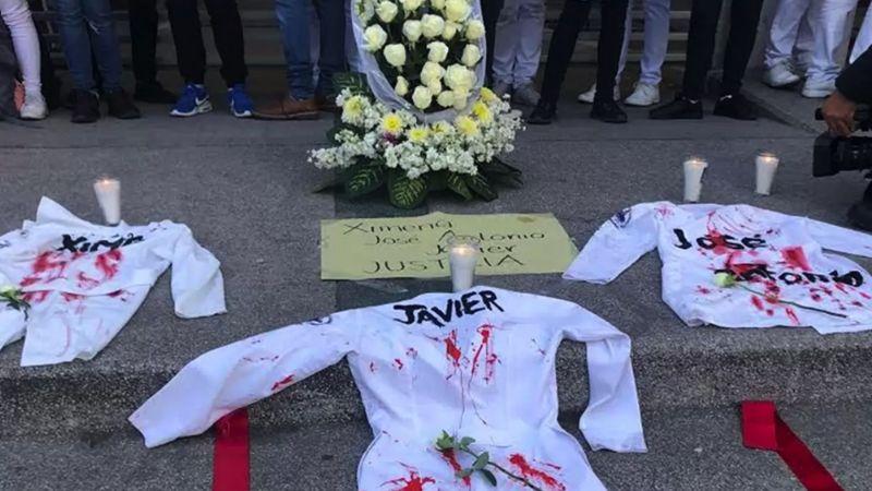 'Ni Una Bata Menos': Marchan en Puebla por asesinato de alumnos de medicina