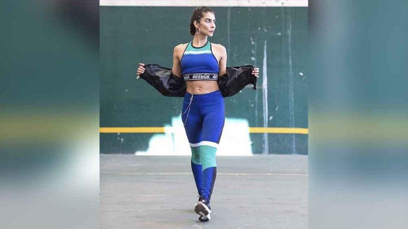 María León presume sus habilidades en el ballet con un atrevido 'outfit'