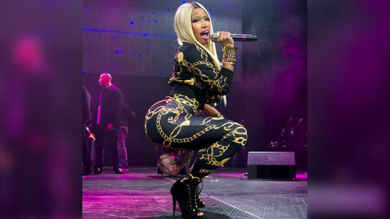 Tras rumores de embarazo, Nicki Minaj luce espectacular atuendo de carnaval
