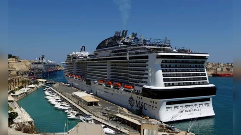 Tras llegar a Cozumel, analizan crucero con presunto caso de coronavirus