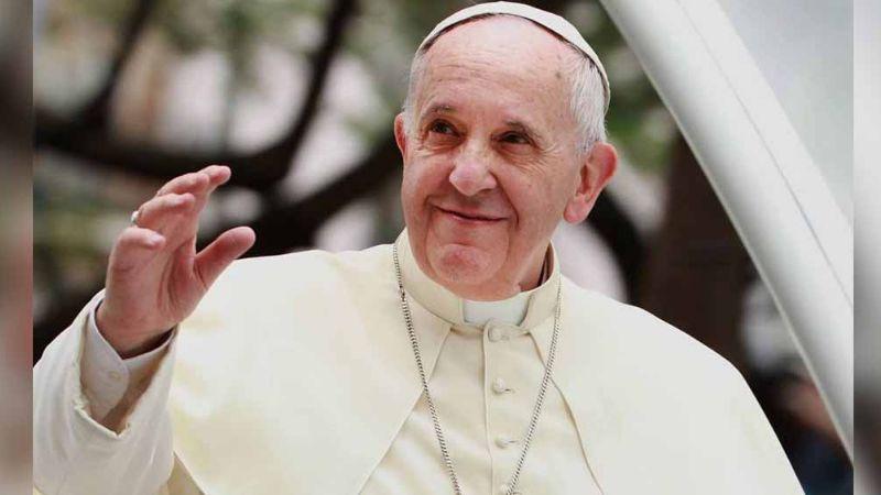 ¿Coronavirus en el Vaticano? El Papa enferma tras saludar a fieles en plaza
