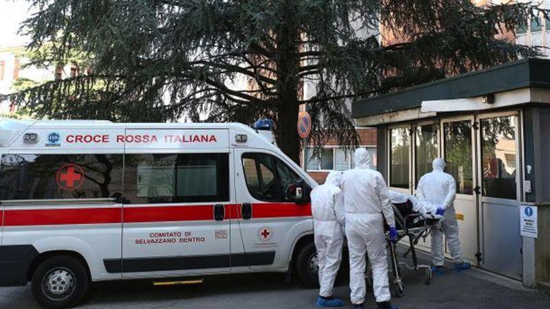 Italia registra otras tres muertes por coronavirus; el número asciende a 17