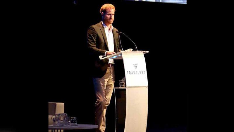 Príncipe Harry 'se niega' a viajar con usuarios del tren y reserva vagón para él