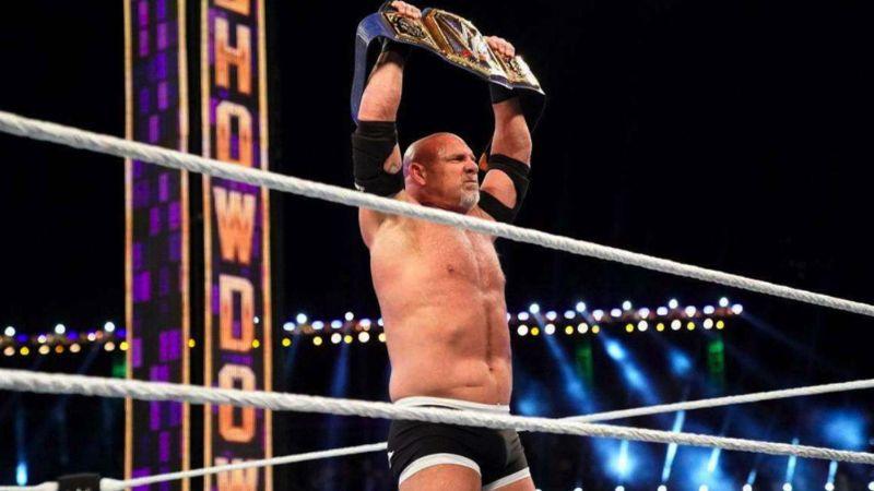 Leyenda de la WWE se corona campeón a sus 53 años; las redes estallan