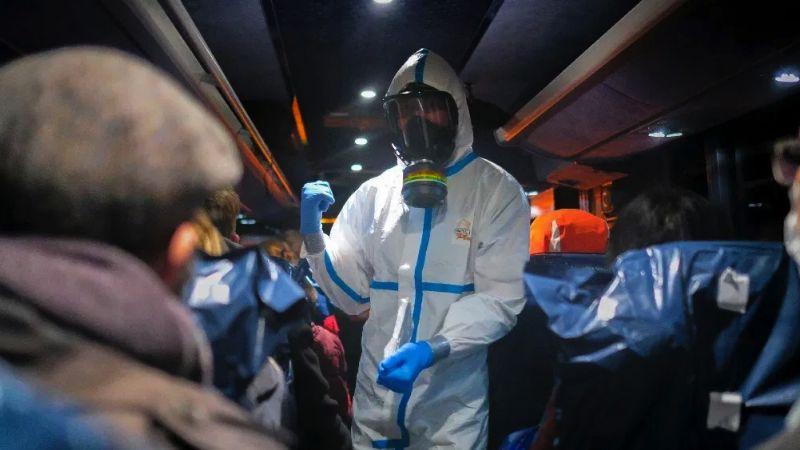 Mexicanos puestos en cuarentena por coronavirus están estables en Francia