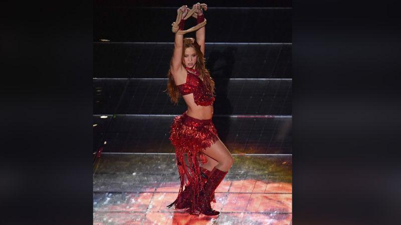 ¡30 mil cristales Swarovski! El garrafal costo de las botas de Shakira para el SB