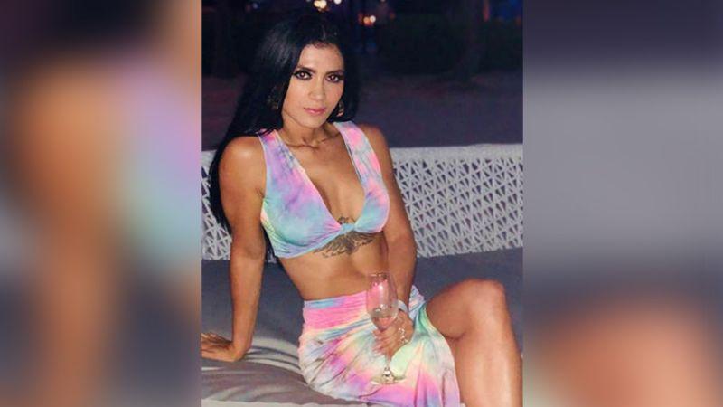 ¡Cuerpazo! Kimberly Flores modela sus grandes curvas con apretados leggings