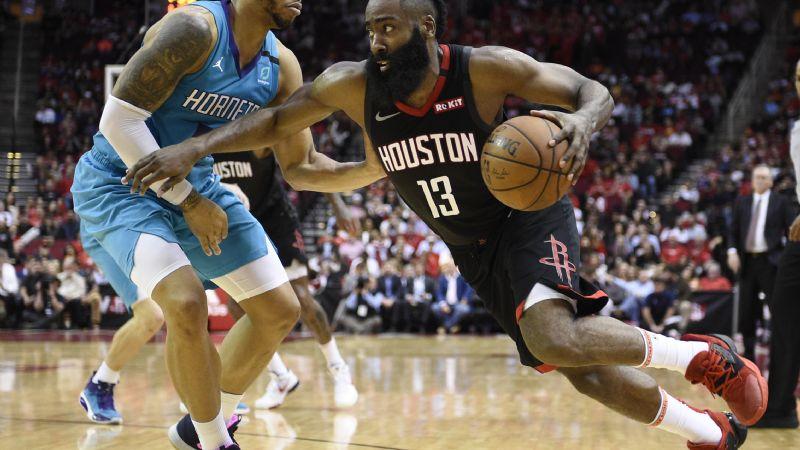Rockets doblegan a Hornets, en noche mágica de Harden con 40 puntos