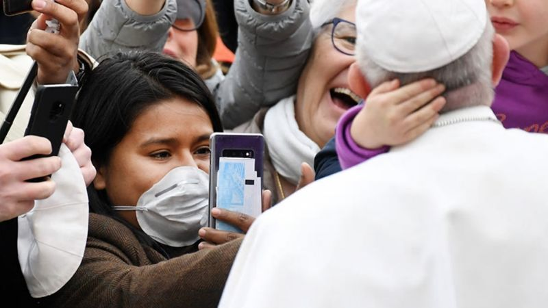 ¿Infectado de coronavirus? El Papa no irá al retiro de Cuaresma; sigue enfermo