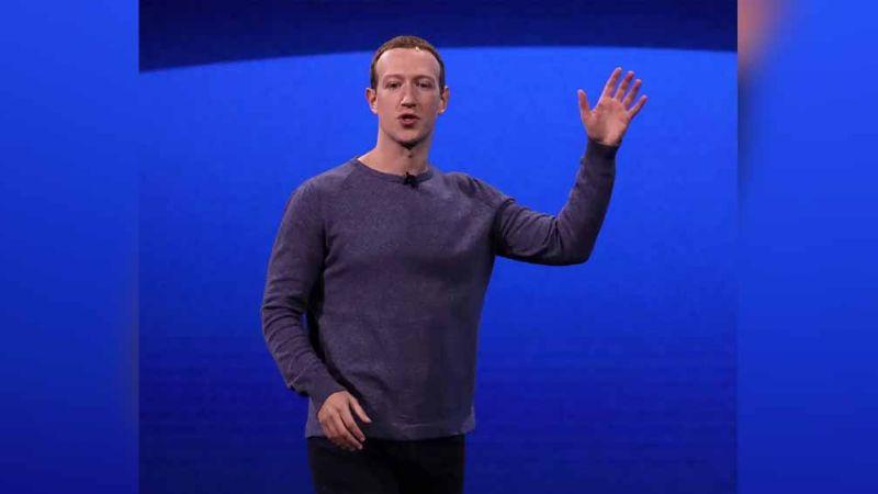 ¿El peor trabajo en Facebook? Empleado lidia con el sudor de ¡Mark Zuckerberg!