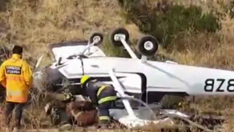 Caída de avioneta deja dos personas heridas en Atizapán, Edomex