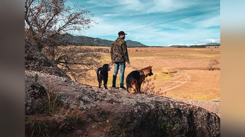 La increíble foto de José Ron con Skiro que le está dando la vuelta al mundo