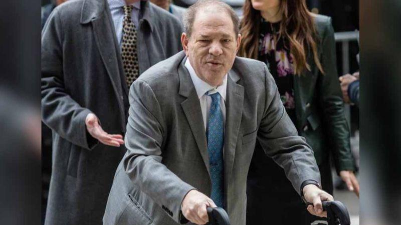 Tras sentencia, vigilan a Weinstein para que no atente contra su vida