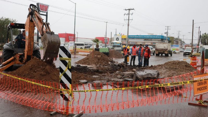 Nuevo socavón afecta el tránsito en calles del centro de Hermosillo