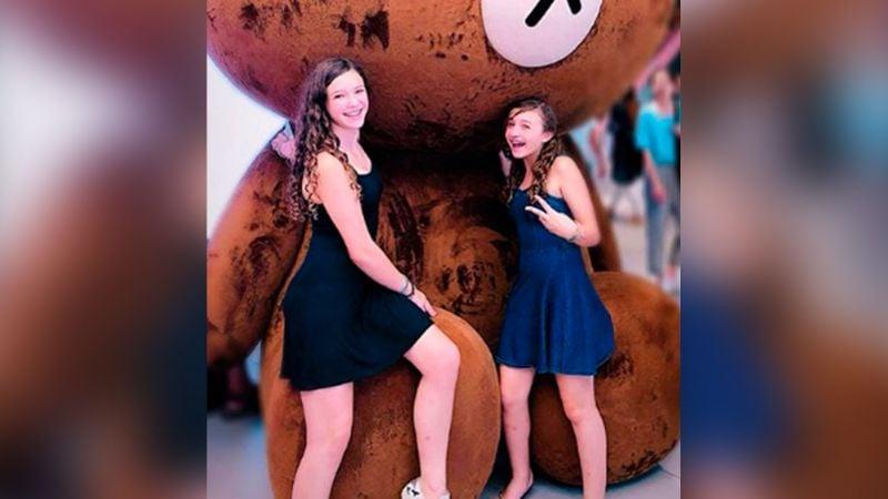 Nina y Mía Rubín, hijas de Andrea Legarreta, se lucen en pequeños bikinis
