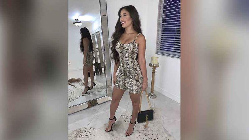 Angie Varona enciende Instagram al posar en apretado bikini desde el baño