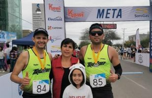 La hermosa familia Argüelles Rosas, celebran su pasión por el atletismo