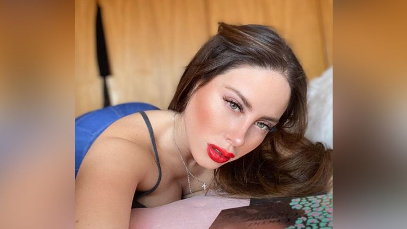 Con seductor escote, Ignacia Michelson despierta bajas pasiones en Instagram