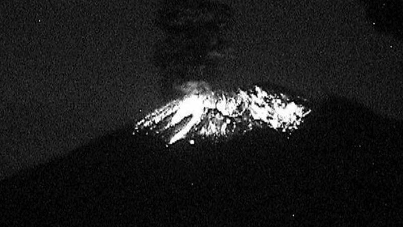 Sigue la actividad en el Popocatépetl; el volcán registra otra explosión