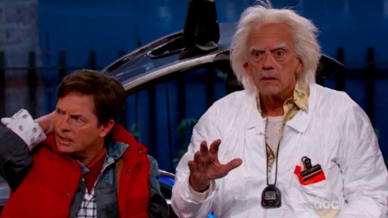 ¡De regreso al pasado! Michael J. Fox y Christopher Lloyd presumen su reunión