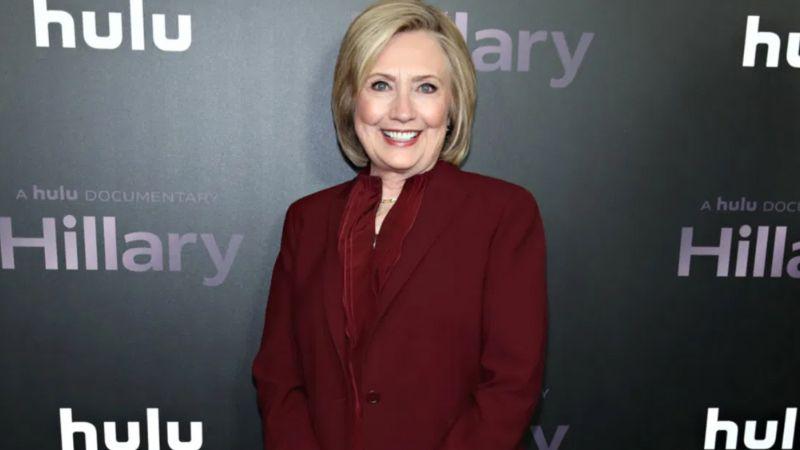 """""""Debe revisar su casa"""": Hillary Clinton por iniciativa de Melania Trump"""