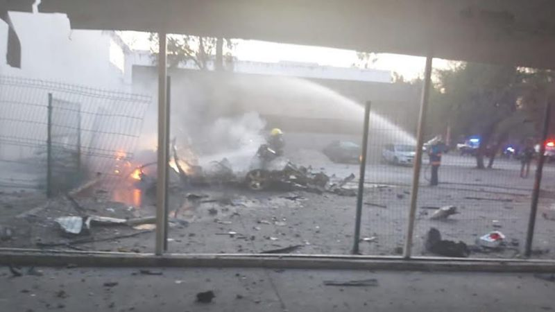 Explota coche bomba afuera del cuartel de la Guardia Nacional en Celaya
