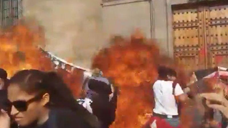 VIDEO: Una policía sería quien tiró la bomba molotov en Marcha 8M de CDMX