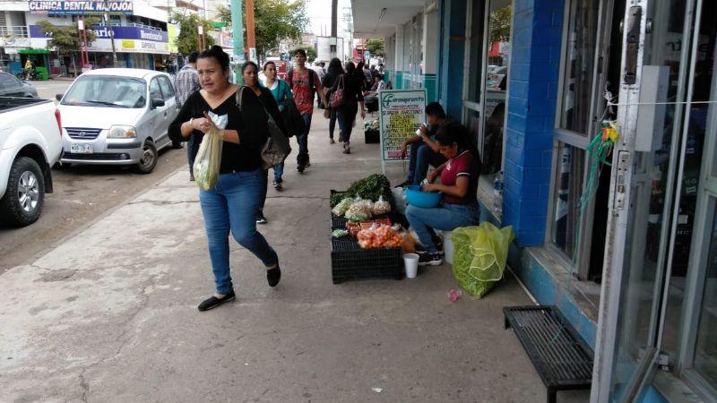 En Navojoa las mujeres toman el día como de asueto y acuden a trabajar