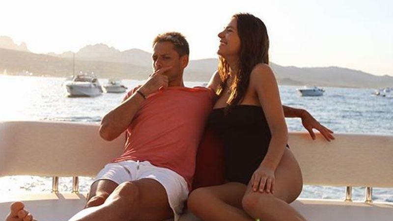 A 9 meses de su parto, Sarah Kohan, esposa de 'Chicharito', se luce en bikini