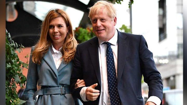 """Boris Johnson se recupera del Covid-19 y sale del hospital: """"Fueron días oscuros"""""""