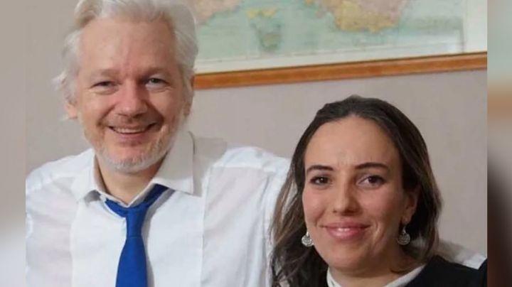 Abogada revela haber tenido dos hijos de Julian Assange cuando estuvo en Ecuador