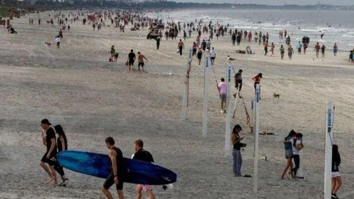 Gobernador de Florida permite reapertura de playas; cientos de personas acuden a ellas