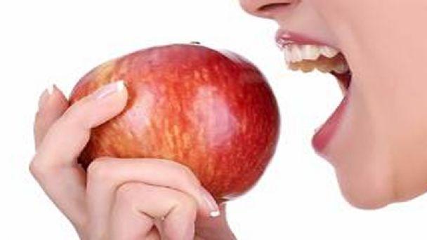 los beneficios de comer una manzana diaria