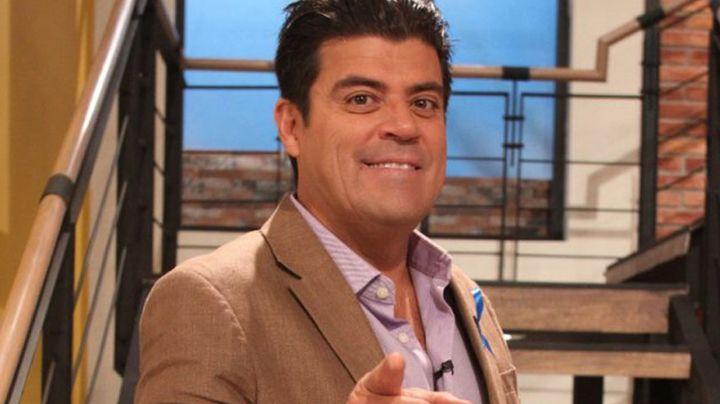 Tras dejar 'Hoy', 'El Burro' Van Rankin es captado al dar tremendo beso a actor de Televisa