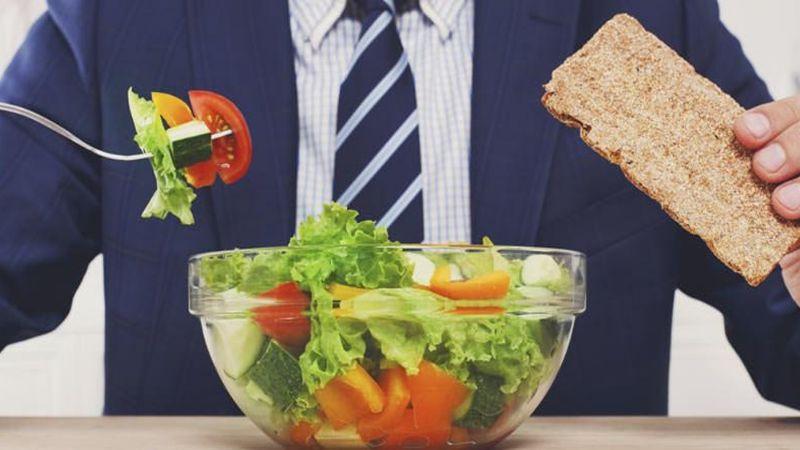 Consumir estos alimentos ayudan a controlar y bajar el colesterol, según estudio