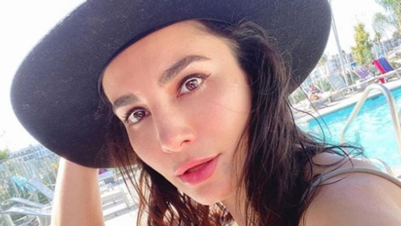 Martha Higareda derrite Instagram con tremendo video a la orilla del mar