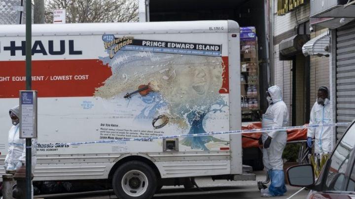 Policía de NY halla camiones con al menos 50 cadáveres en descomposición