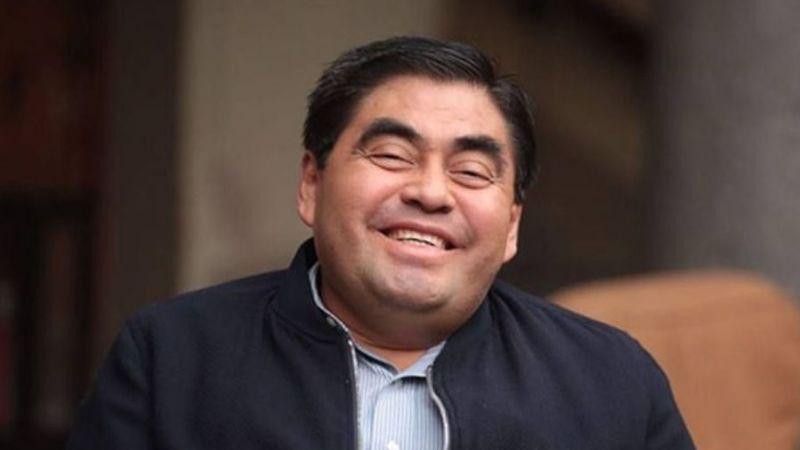 Encuesta ubica a Miguel Barbosa como el peor gobernador de México